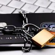 Поліція впіймала 21-річну франківчанку на інтернет-шахрайстві