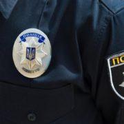 На Прикарпатті розшукують водія, який збив двох поліцейських та пошкодив службове авто
