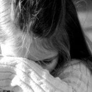 """""""Я потвора, мама тому і покинула мене в дитбудинку"""": Півобличчя дівчини закривала величезна родима пляма"""
