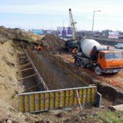 Новий міст на Пасічну: підрядник розпочав бетонування фундаменту опор