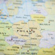 """""""Лише паспорт, страховка і квиток"""": українці отримали можливість безкоштовного працевлаштування в Польщі (відео)"""