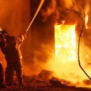 На Прикарпатті горіли будинки