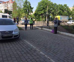 Ранкова ДТП у Франківську: на Пасічній дівчина потрапила під колеса автівки (ФОТОФАКТ)