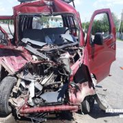 Смертельна ДТП. На Прикарпатті автомобіль врізався у фуру. ФОТО