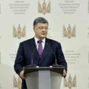 Порошенко заявив, що реформам в Україні допомагає молитва