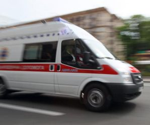 Нещасний випадок: в Івано-Франківську на жінку впали металопластикові віконні конструкції