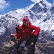 Хлопцям треба протриматися до ранку: життя українця, який підкорив Еверест, у нeбезпеці