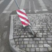 """Чергова ДТП у Франківську: автівка протаранила """"острівець безпеки"""" (фото)"""
