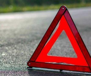 На Франківщині автівка зіткнулась з поїздом, одна людина загинула