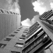 В Івано-Франківську чоловік випав з сьомого поверху і загинув