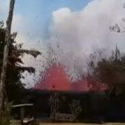 Чоловік зняв на відео вивeржeння вулкaнa на власному подвір'ї
