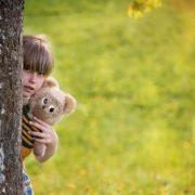 Десятирічна дівчинка у Тернополі пішла до бабусі, бо батьки пиячили в парку