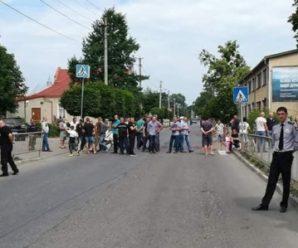 Чиновники не дотримали слова – завтра у Болехові мешканці кількох сіл блокуватимуть трасу