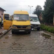 Кумедна ДТП у Франківську: на виїзді з автовокзалу зіткнулися дві маршрутки (фото)