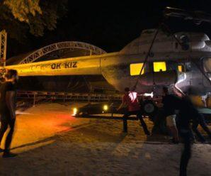 Франківськ – великий аеропорт: до міста привезли ще два гелікоптери (фотофакт)