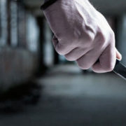 У Франківську між пішоходом та водієм сталася бійка: один з чоловіків взяв до рук ножа