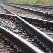 У Коломиї поїзд переїхав чоловіка, який сидів на колії
