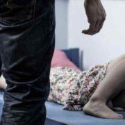 """Нелюд згвалтував 9-річну дівчину в одній із кімнат її ж квартири: """"Залишив їй гроші за мовчання"""""""