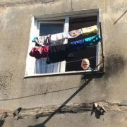 Батько з Бурштина, син якого ледь не випав з вікна у переконує, що рятувати хлопчика не було потреби (відео)