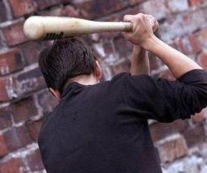 На Пркарпатті чоловік битою побив таксиста(ВІДЕО)