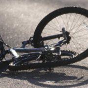 На Прикарпатті, під колесами автомобіля, опинився 40-річний велосипедист