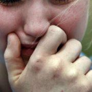 """""""Перетворював життя дитини на жахіття"""": На Київщині 65-річний педофіл три роки розбещував малолітню сусідку"""