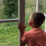 Пустощі мало не закінчилися трагедією: на Галичині 8-річний хлопчик ледь не вбив людину