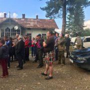 Дорогу Надвірна-Бистриця перекрили – жителі сіл вимагають ремонту (відео)