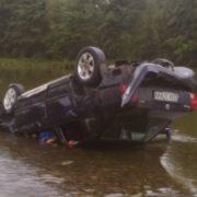 Стали відомі подробиці смертельної ДТП на Прикарпатті, під час якої авто з пасажирами опинилося в річці. ФОТО
