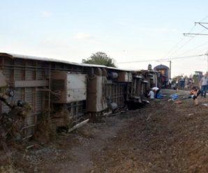 Потяг в Туреччині зійшов з рейок: загинули 24 людини