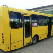 Маршрутки отримують нове життя: у Франківську взялися ремонтувати міські автобуси (фото)