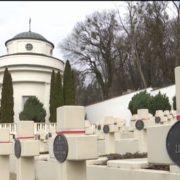 Поляк влаштував акт вандалізму на військовому цвинтарі у Львові