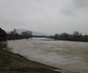 Синоптики попередили про підйом рівнів води на річках Прикарпаття
