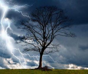 Сильні грози, град, шквали. На Прикарпатті оголосили штормове попередження