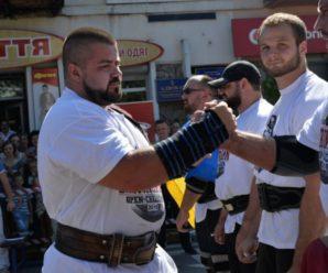 Найсильніша людина Прикарпаття виступить у складі збірної України в Італії