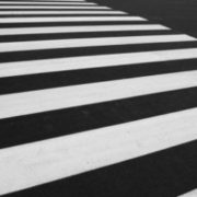 На автошляхах Прикарпаття оновлюють дорожню розмітку (фото)