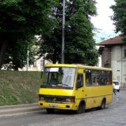 У Львові водій маршрутки вигнав з салону сироту
