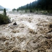 Вода у Дністрі підніметься, можливі селі – штормове попередження