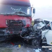 У ДТП на Прикарпатті вантажівка знищила бус, 4-ро людей загинули. ФОТО