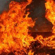В Угриневі спалахнула пожежа на території колиби