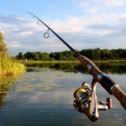 Поїхали відпочити: на Прикарпатті під час риболовлі на ставку потонули два чоловіки