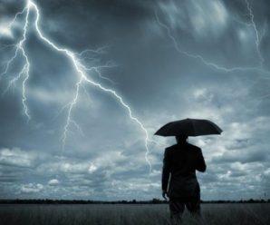 Грози та сильний вітер: на заході та півночі України оголосили штормове попередження