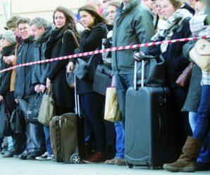 Влада може заборонити українцям виїжджати закордон на заробітки, – екс-міністр