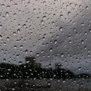 Грози, зливи і град: на заході України оголосили штормове попередження (карта)