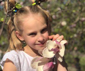"""""""4 тижні немов у пеклі"""": Мати дівчинки, яка впала у кому у дитячому таборі """"Славутич"""" розповіла свою історію"""