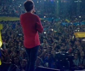 """Океан емоцій та море почуттів: як звучав гімн України на концерті """"Океану Ельзи"""" (відео)"""