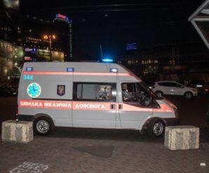 """""""Горе, яке неможливо пережити"""": У київському метро дівчина кинулася під поїзд"""