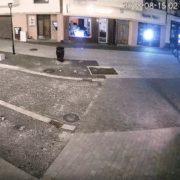 Як в Івано-Франківську джип на пішохідній вулиці нищив комунальне майно. ВІДЕО