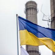 З'їздив на заробітки: українець після візиту в РФ познущався з державного символа
