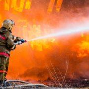 В Івано-Франківську сталася пожежа в приміщенні спорткомплексу